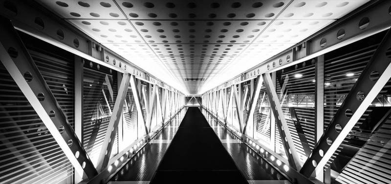 Learn to get great shots (like this one of an underground walkway in Chicago) with expert architecture photography tips.