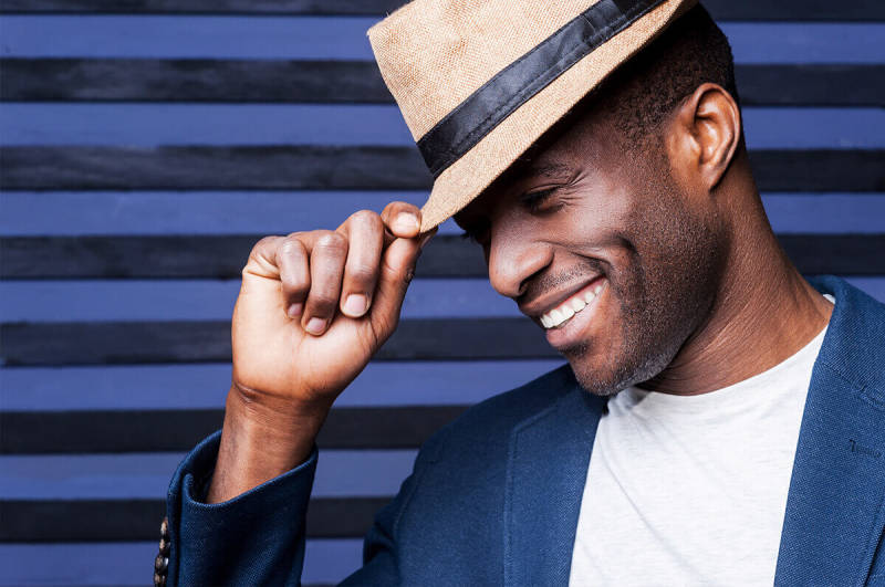 This man in a fedora knows a thing or two about photo poses. Try out these six poses and start getting shots you love.