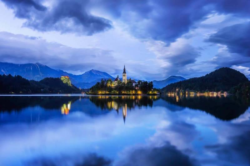 LAKE BLED, SLOVENIA, 13 SECONDS, F16, ISO 800