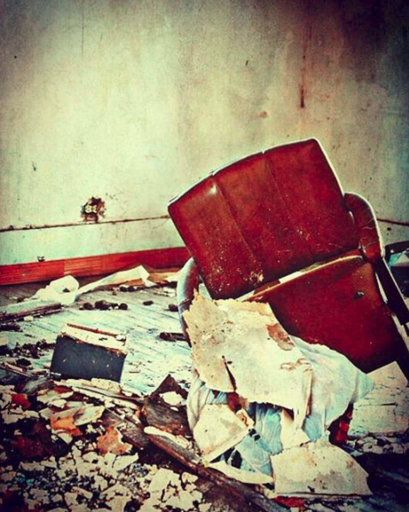 A deliciously creepy abandoned house, photographed and edited by PicMonkey user Renea Huffman.