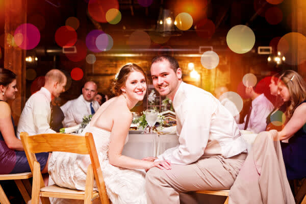 Edit wedding photos with the Bokeh effect and recall the festive atmosphere of the big day.