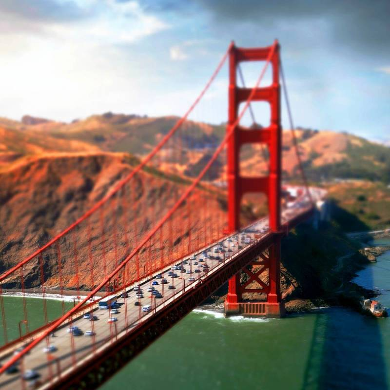 Use the miniature effect to make big things (like the Golden Gate Bridge) look teeny tiny.