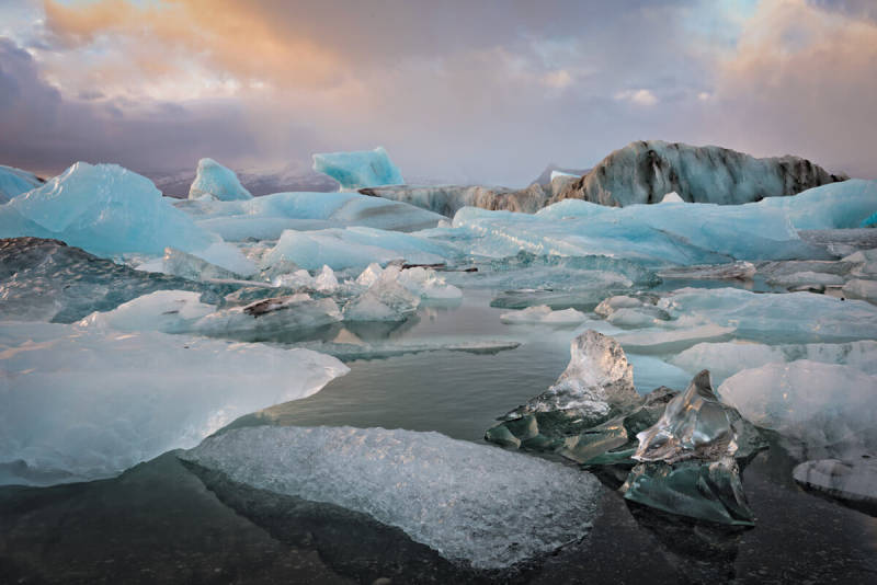Let your jaw drop to the floor looking at Iceland photos like this one of the