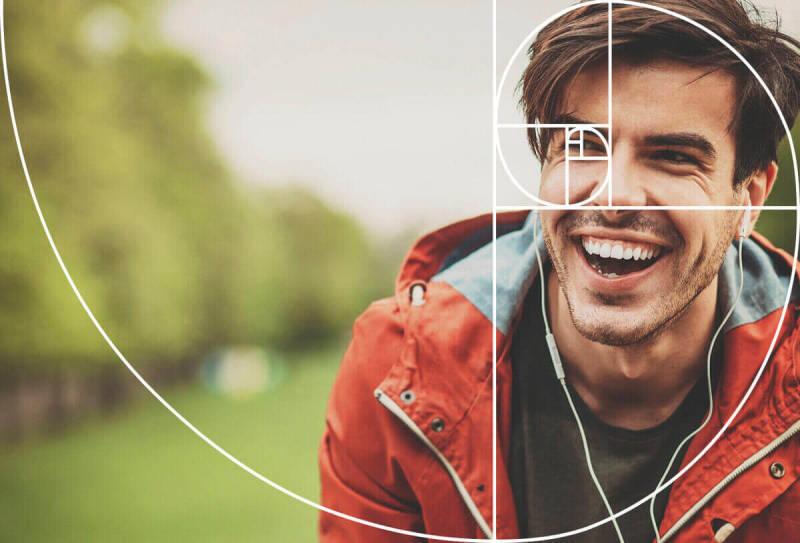 La espiral de Fibonacci se usa para componer el retrato de un chico de cabello oscuro.