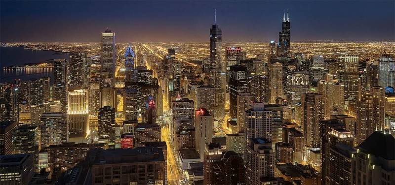 Learn to get great shots (like this one of the Chicago skyline) with expert architecture photography tips.