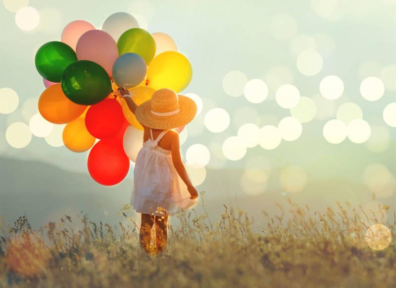 bokeh girlwithballoons