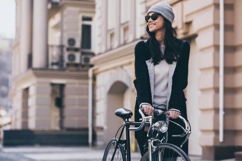 This woman with a bicycle knows a thing or two about photo poses. Try out these six poses and start getting shots you love.