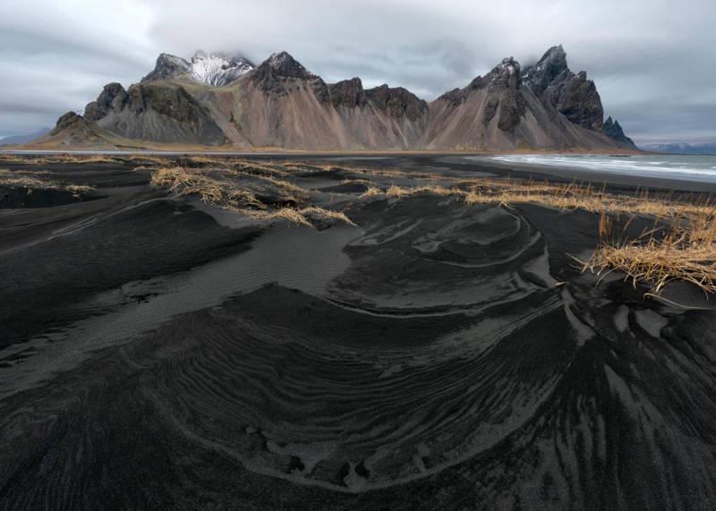 Iceland photos show an otherworldly beauty in a serene terrain