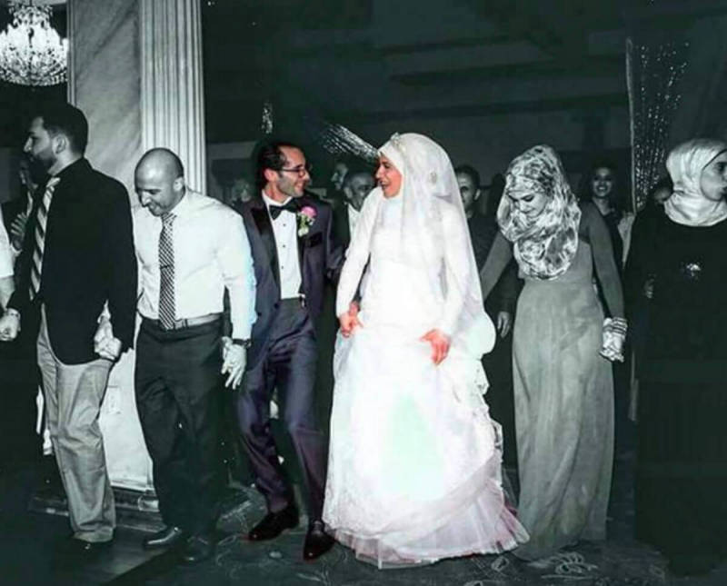 Shadia Amen-McDermott took this gorgeous wedding photo, and recolored it in PicMonkety.